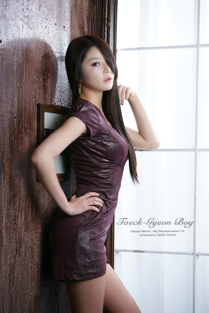 5 Lee Eun Seo - Maroon Mini Dress-very cute asian girl-girlcute4u.blogspot.com