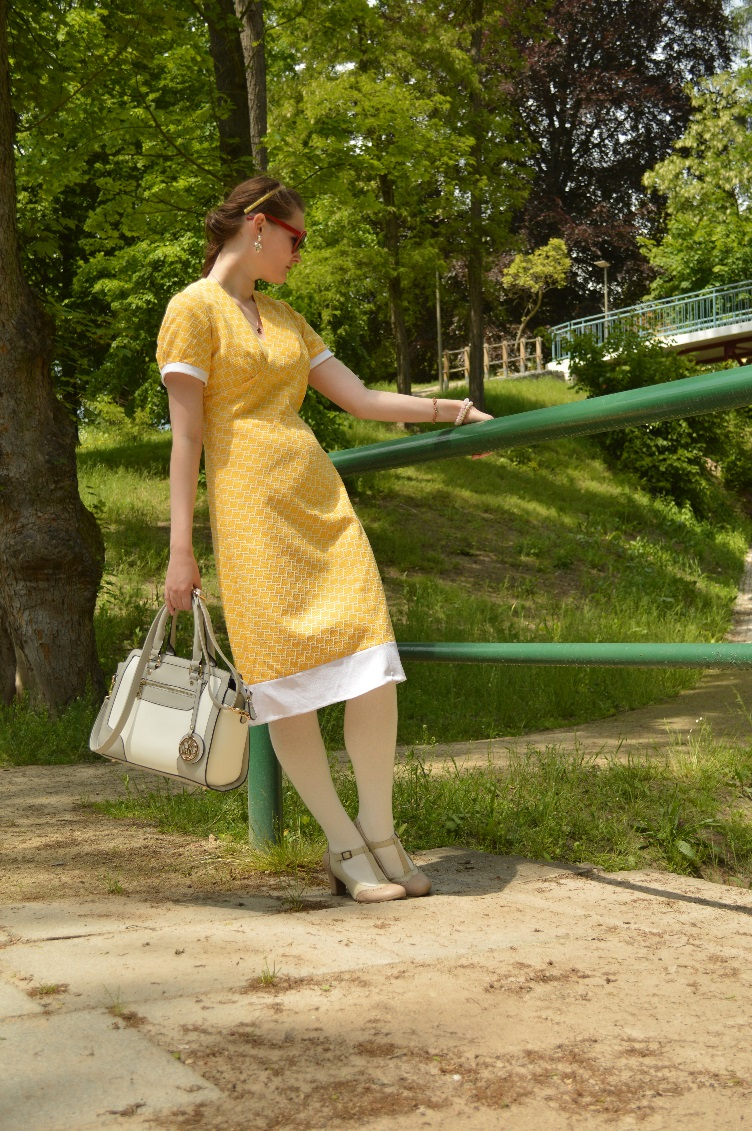 yellow, dress, vintage, retro, fashion blog,quaintrelle, georgiana quaint, lydc bag