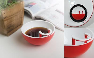 Diseño de cafetera inusual y futurista.