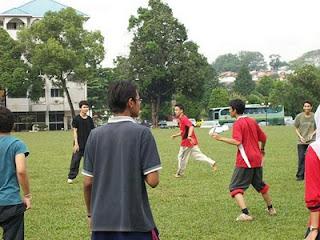 pelatih sepak bola semen padang