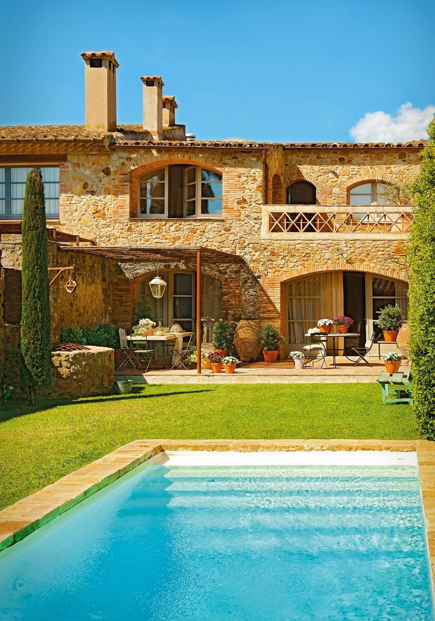 Detalhes do c u uma linda casa rustica perfeita e for Casas con jardin y piscina