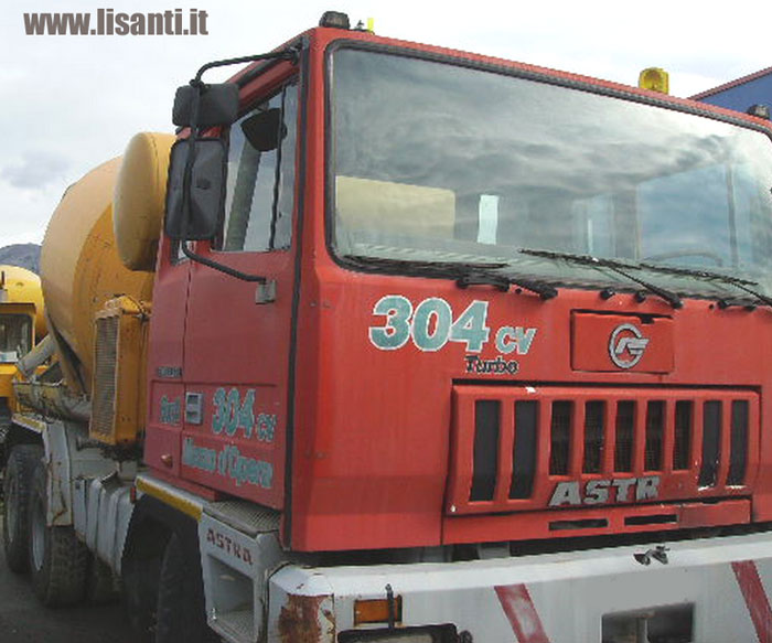 http://camionusato.blogspot.com/2012/11/astra-hd8-8448-by-iveco-cursor