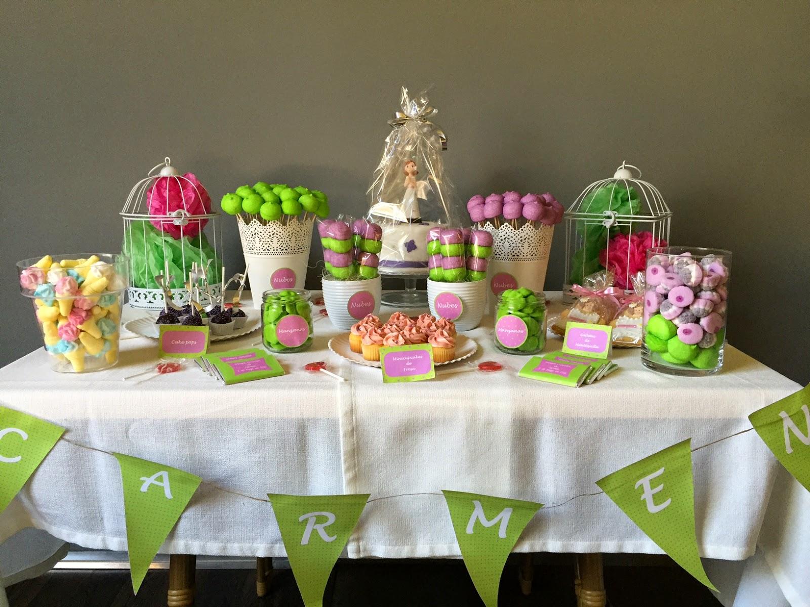 Sabores muy dulces mesa dulce para comuni n verde y morado - Mesas para comuniones ...