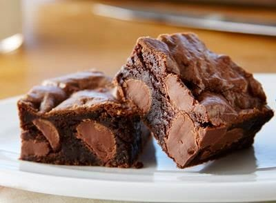 https://www.hersheys.com/kisses/recipes/detail.aspx?id=96510&name=KISSES-Milk-Chocolate-Brownies&category=brownies