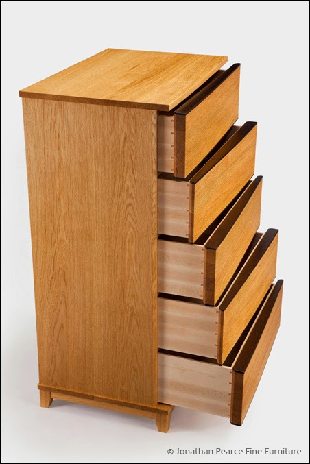 The drawers are made using dovetail joiner.