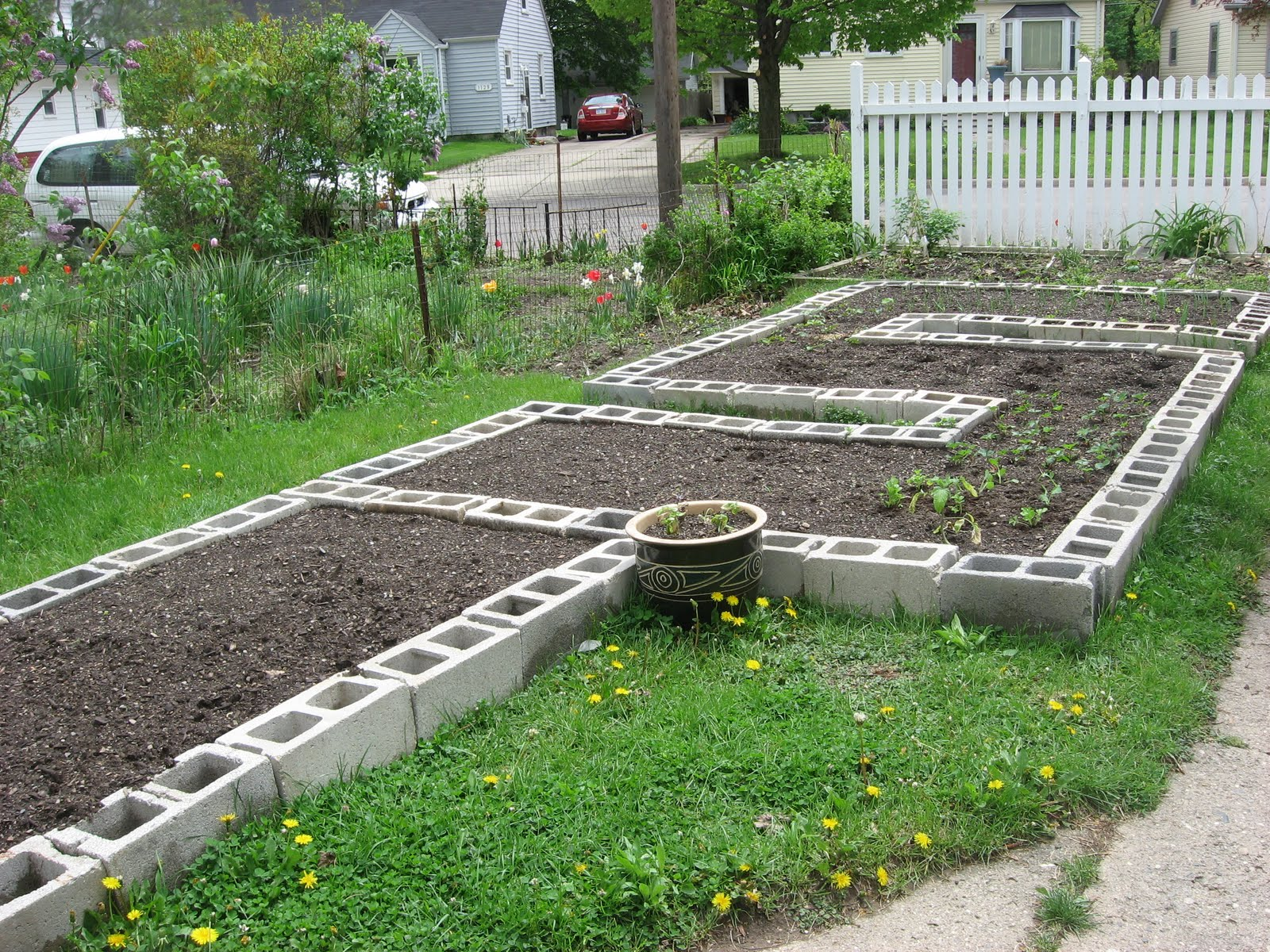 Happy Home Build your own Concrete Block Raised Beds