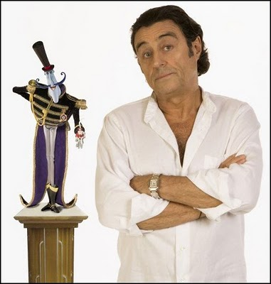 Ian McShane as Bobinsky Coraline 2009 animatedfilmreviews.blogspot.com
