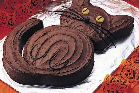 How to Make: Black Cat Cake
