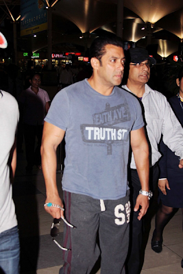 Salman Khan Spotted at Mumbai Airport returning from Hyderabad