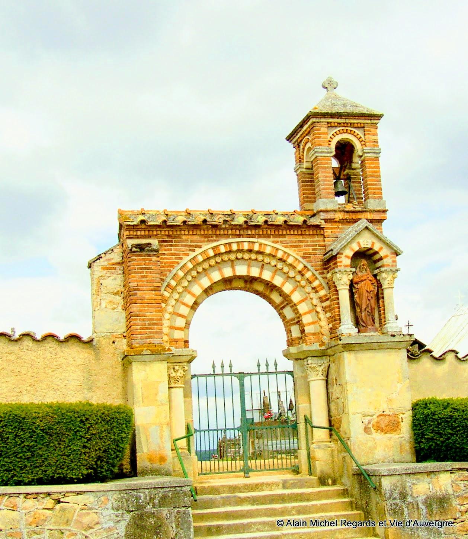 Sermentizon, entrée du cimetière