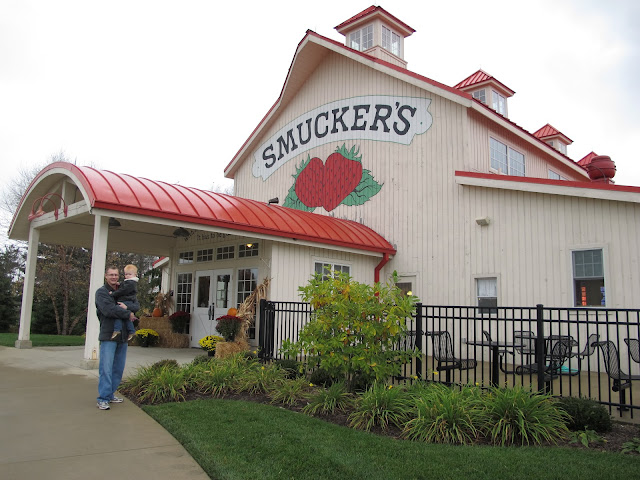 Daddy & Porter at Smucker's Store