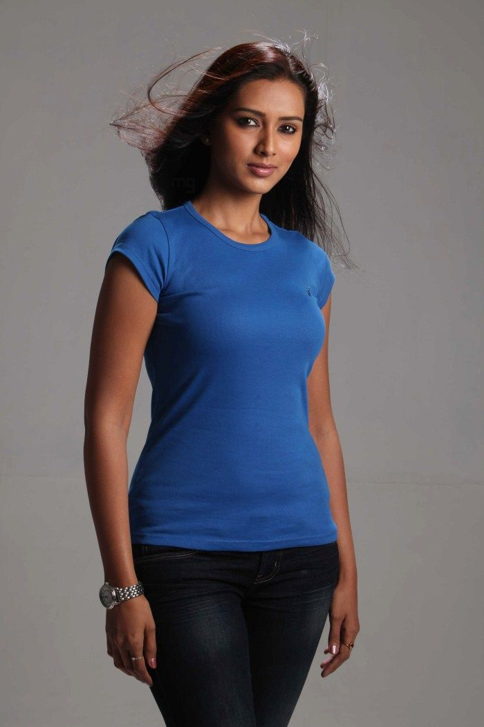 Pallavi Subhash Latest stills in T-shirt