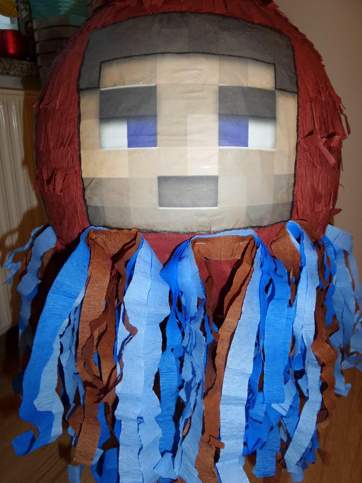 Piniata Minecraft Steve - Steve z czterech stron piniaty + falujące niebiesko - brązowe wstążki