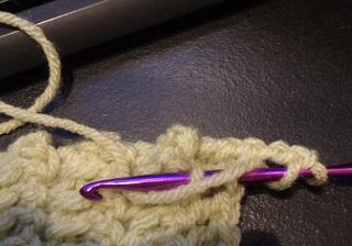 http://www.niftynnifer.com/2013/08/free-washcloth-crochet-pattern.html