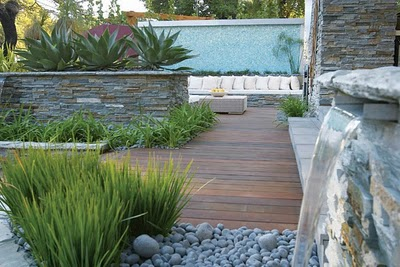 Arte y jardiner a el jard n minimalista urbano ejemplo for Diseno de jardin moderno