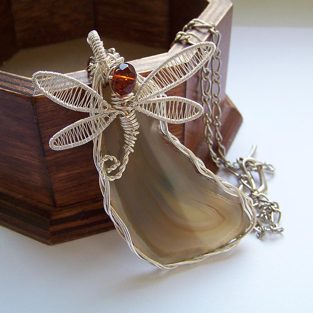 Ważka z drutu – naszyjnik