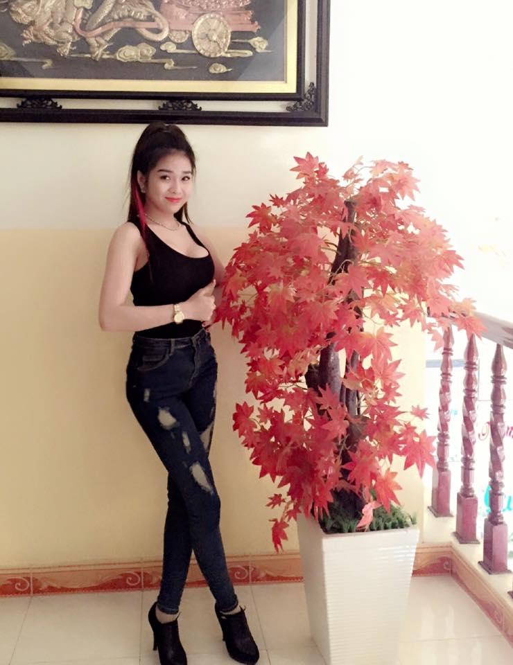 Ảnh gái xinh Huỳnh Kiều Ni nữ DJ 9x sài thành 9