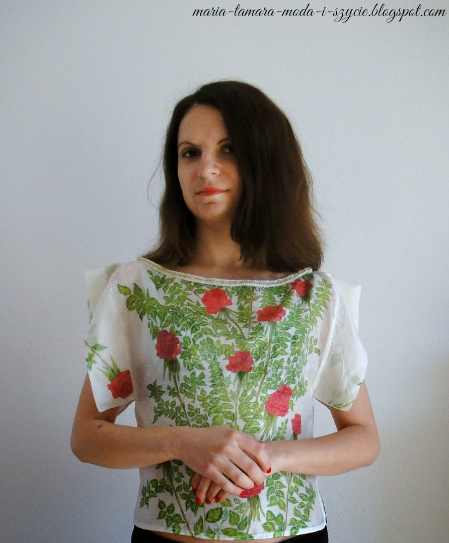 bluzka w kwiatowy wzór