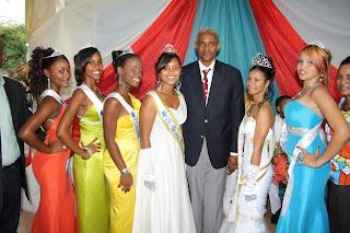 Alcalde Ysaías Valdez felicita al pueblo por el éxito de las patronales de Yaguate 2013