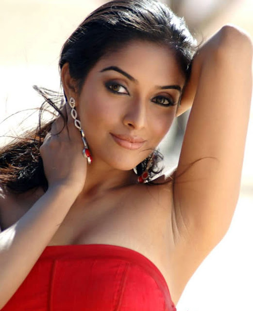 Asin Latest Hot Gallery From Tamil Movie StillsPhotos hot photos