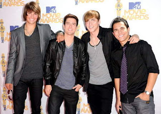 Big Time Rush Feat. Mann  Music Sounds Better With You