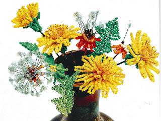 Цветок одуванчик из бисера