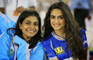 Celebrities Actors Actress Pictures Karnataka Bulldozers Vs Bhojpuri Dabanggs Match Pictures at CCL 5  1045.jpg