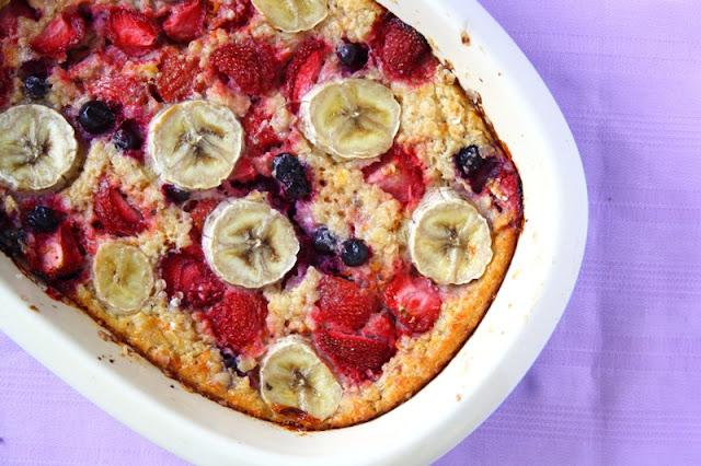 Strawberry & Banana Oatmeal Bake