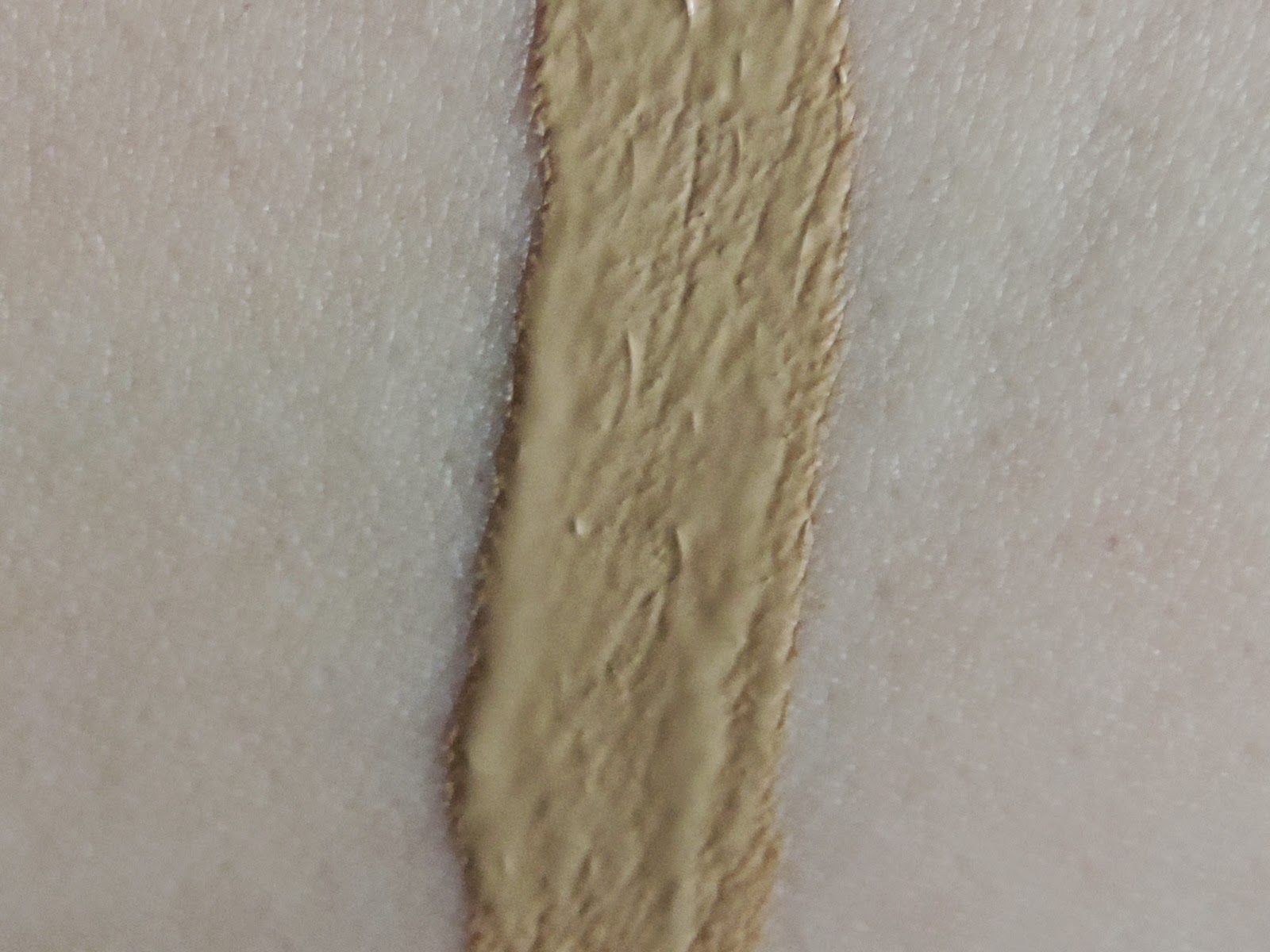 Swatch of Urban Decay Naked Skin Weightless Complete Coverage Concealer