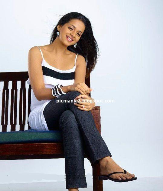 bhavana latest hot sexy  photoshoot