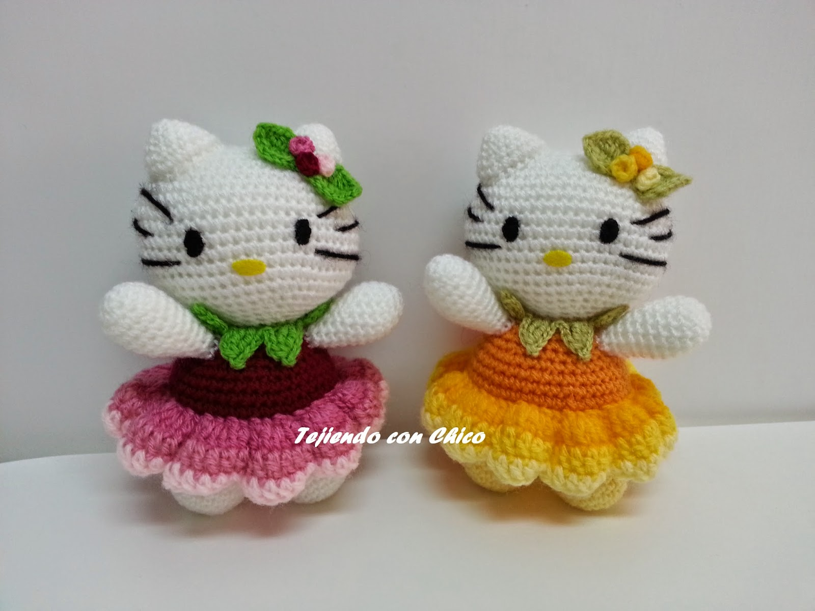 2000 Free Amigurumi Patterns: Hello Kitty with dress