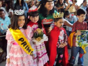 Reis, rainhas, principes e princesas da Festa junina 2011