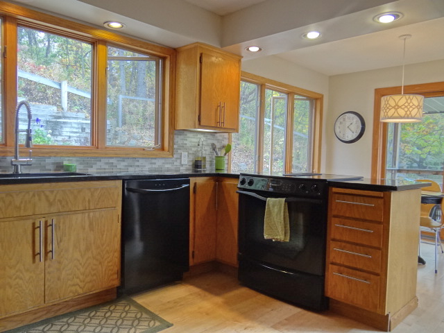 One Project At A Time   DIY Blog: How To Caulk Kitchen Backsplash U0026 Counter  Tops