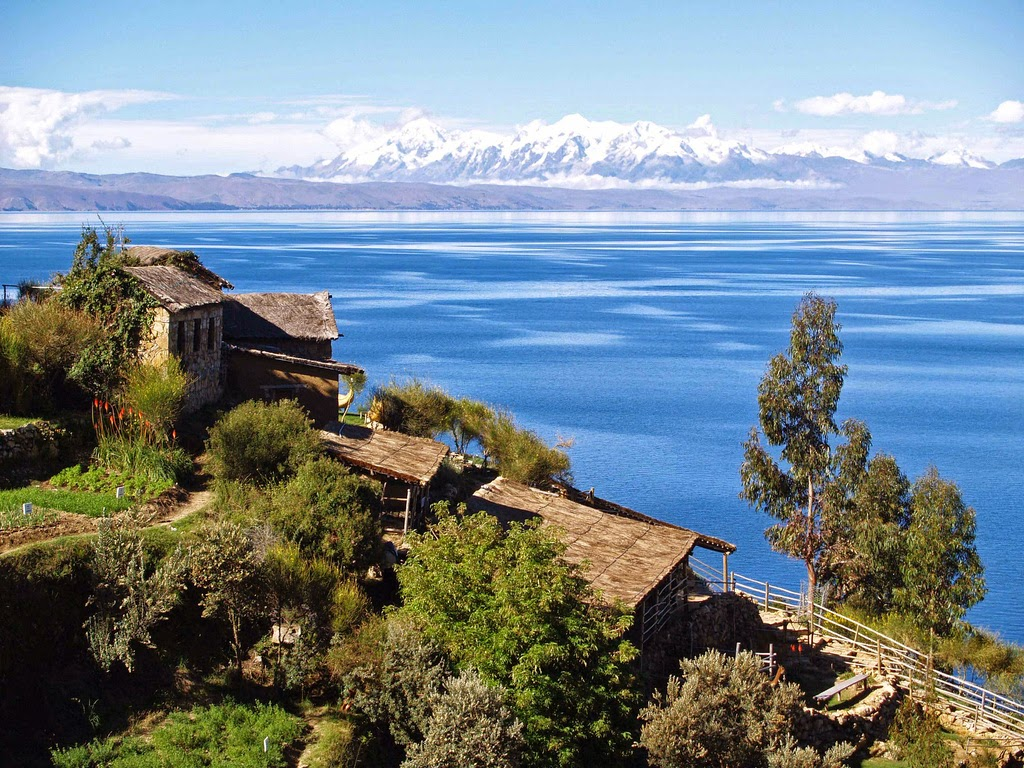 http://upload.wikimedia.org/wikipedia/commons/d/d3/Lake_Titicaca_on_the_Andes_from_Bolivia.jpg