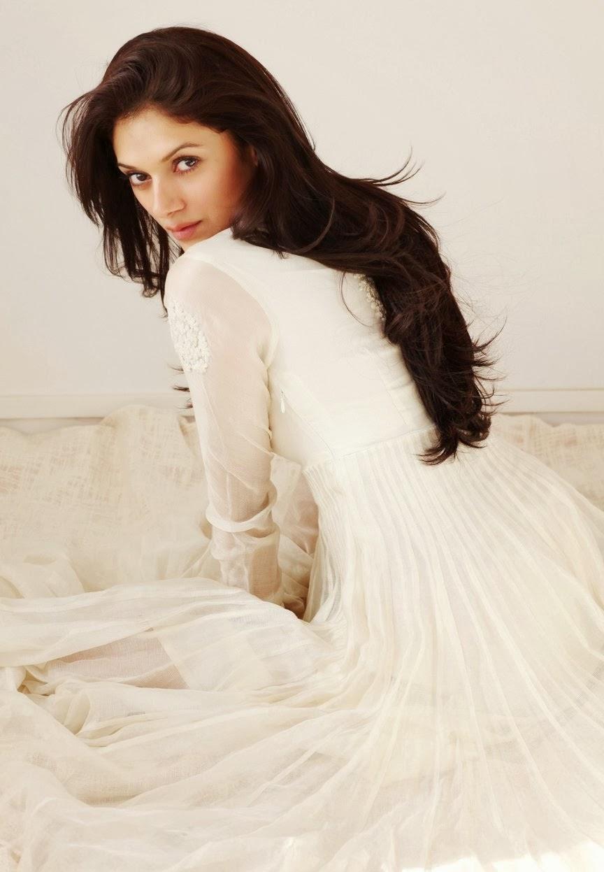 latest pic of actress aditi rao hydari