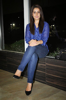 Actress Rashi Khanna Latest Pictures in Jeans at Lakshmi Raave Maa Intiki Telugu Movie Audio Launch  5