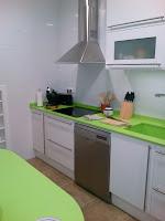 La cocina despues de la reforma. Kitchen remodeled.