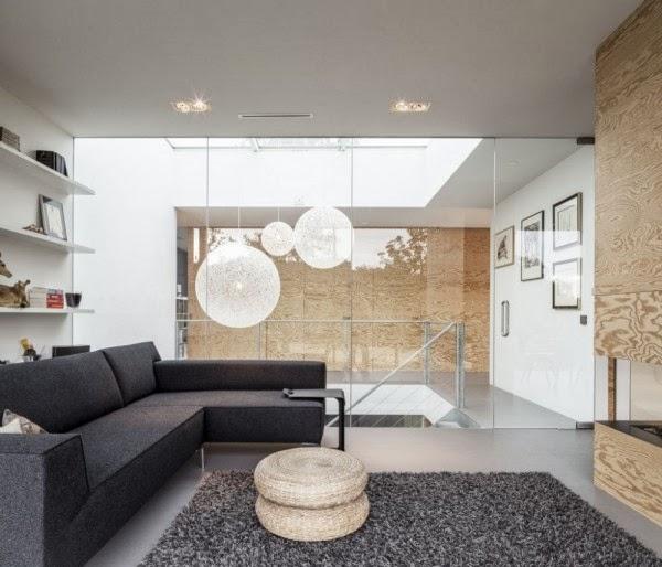 Decoraci n inexperta gris sobre gris for Sofa gris claro color pared