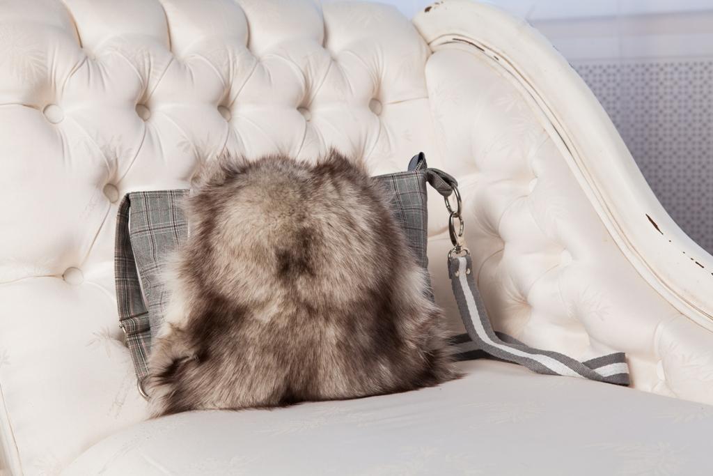 Меховая сумка и фотосет с сумками