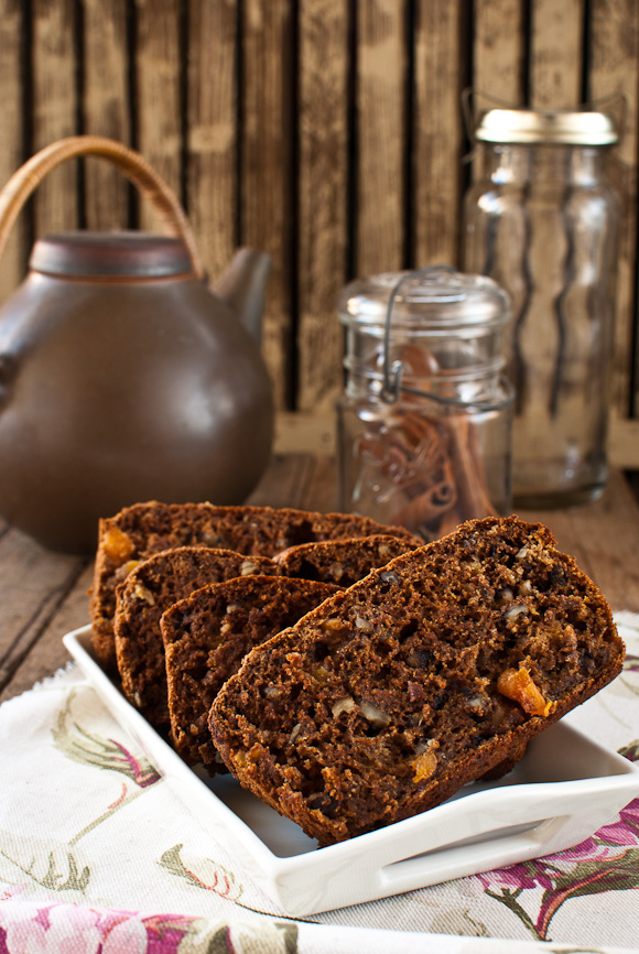 Scandi Home: Persimmon and Walnut Bread