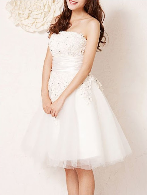 Chiffon Strapless Neckline A-Line Wedding Dress with Lace Ornamented Bodice
