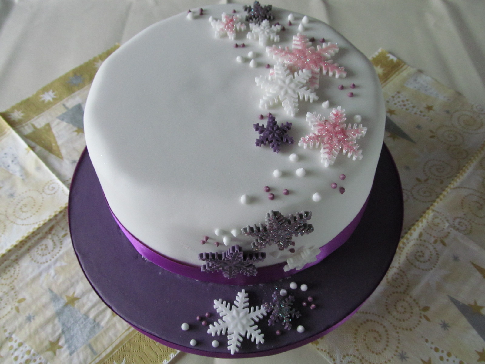 Mich Turner Christmas Cake