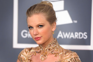 Swift at the 2012 Grammy Awards
