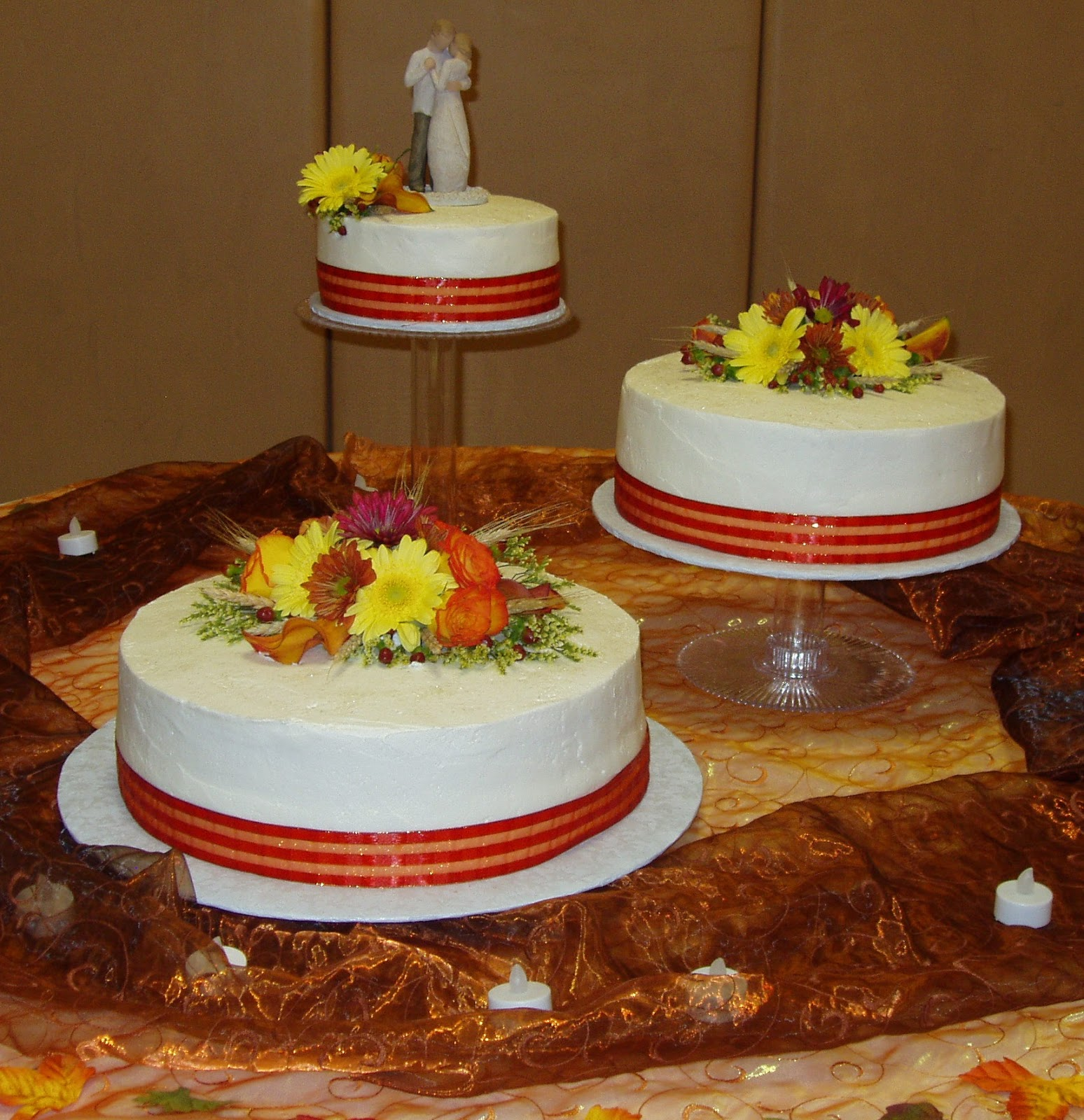 Michelle s Cakes Fall Wedding Cake