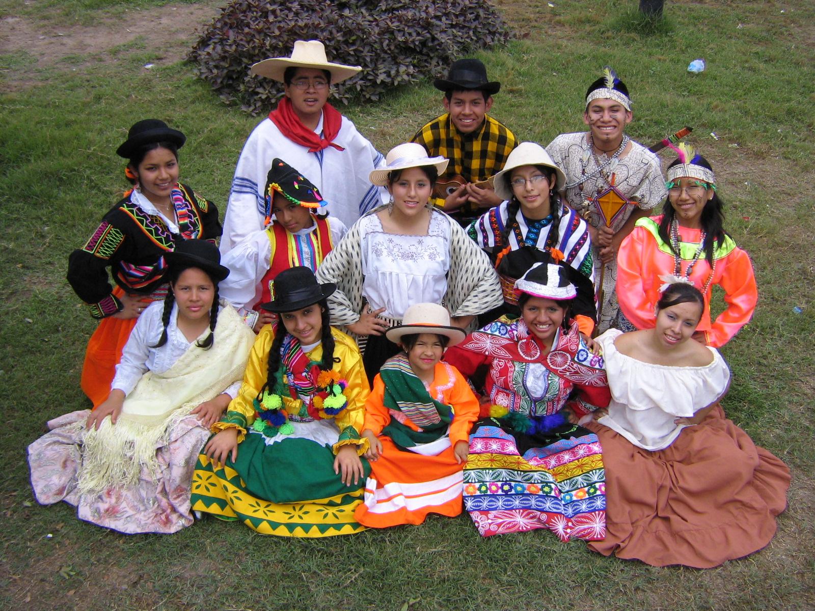Trajes Tipicos Del Peru Costa Sierra Y Selva