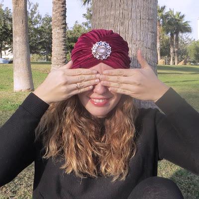 turbante pedrería rojo