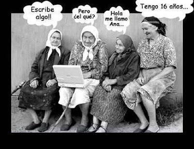 Ancianas Chateando