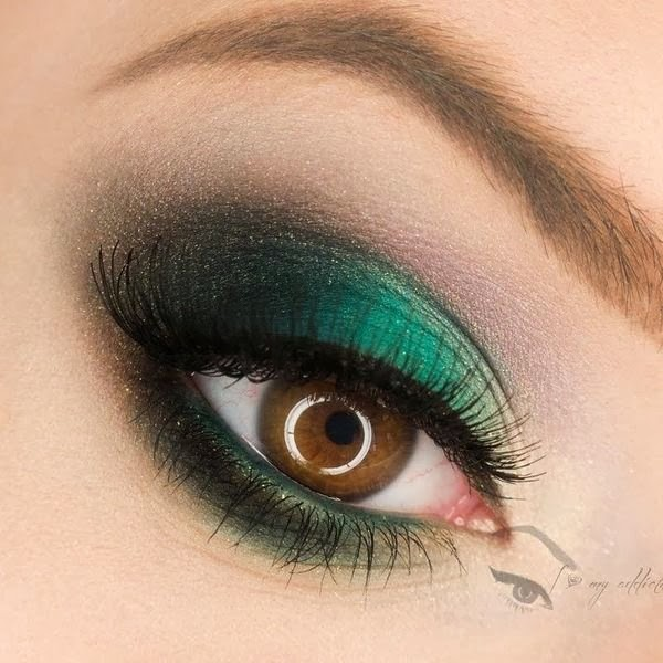 Link Camp Eyeshadow And Eyeliner Makeup And Beauty