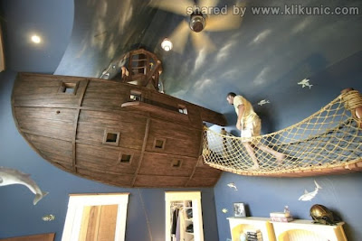 http://3.bp.blogspot.com/-6mmoDBtilBc/TXF881-I5PI/AAAAAAAAP3M/QZepQk9knG4/s1600/ship_bedroom_01.jpg