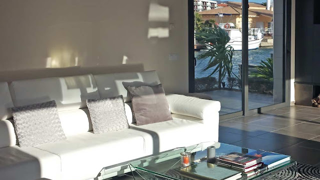 Недвижимость в Испании на побережье Коста-Брава в Росесе в урбанизации Санта Маргарита